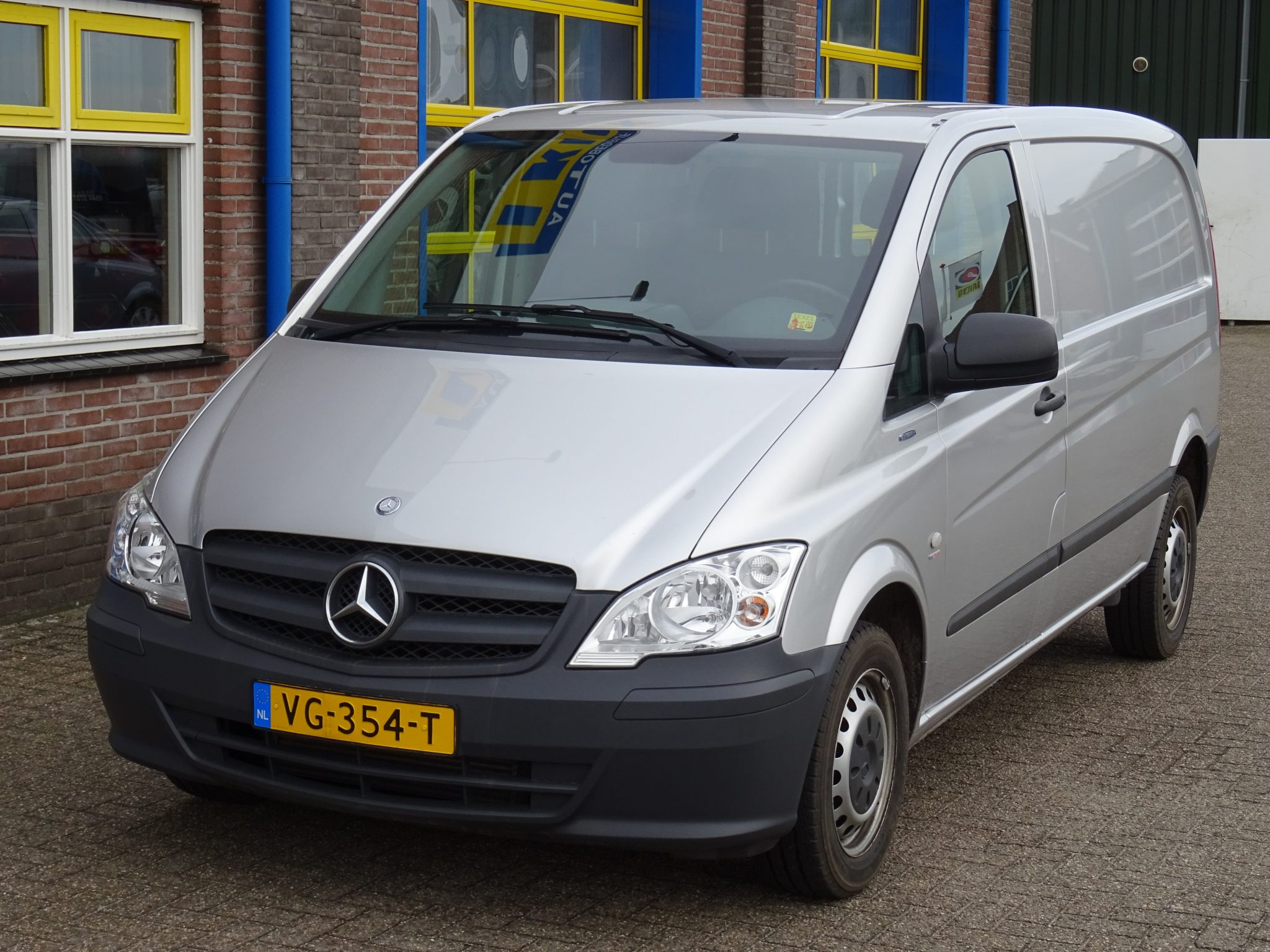 mercedes benz vito 110 cdi 320 lang autobedrijf ikink. Black Bedroom Furniture Sets. Home Design Ideas